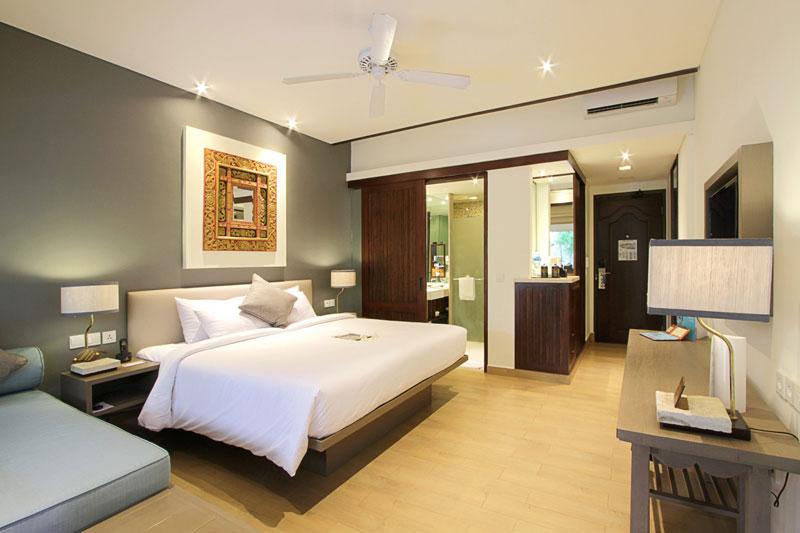 Rooms & Villas